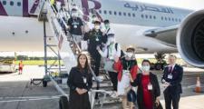 英国高校首架接中国留学生入学包机顺利抵达
